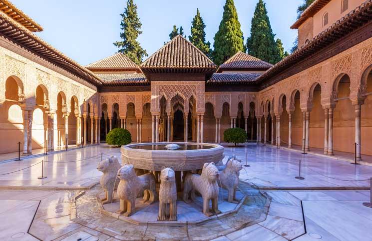 قصر الحمراء من أطلال الدولة الاندلسية