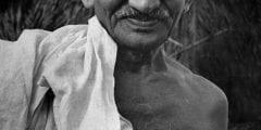 الزعيممهاتما غاندي شخصية سياسية مشهور