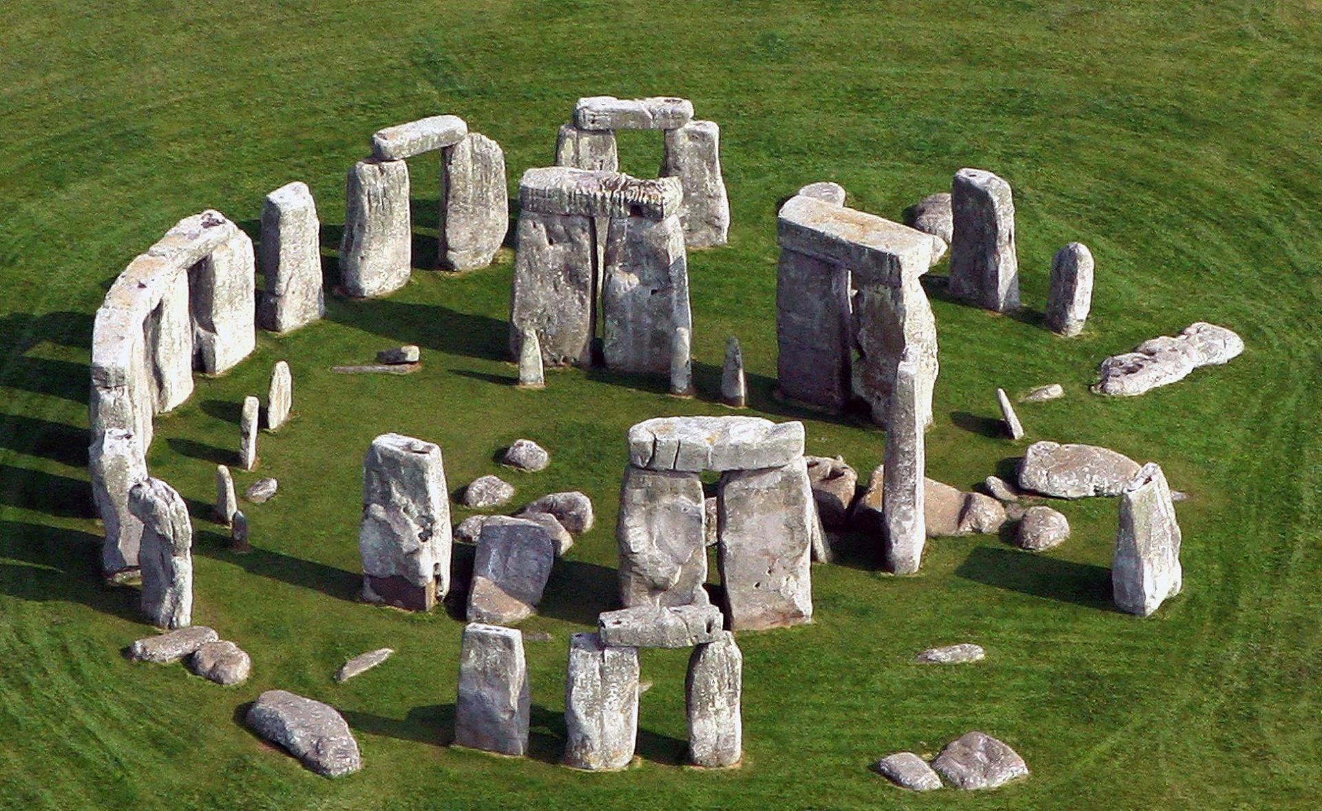احجار ستونهنج و لغز بنائهم