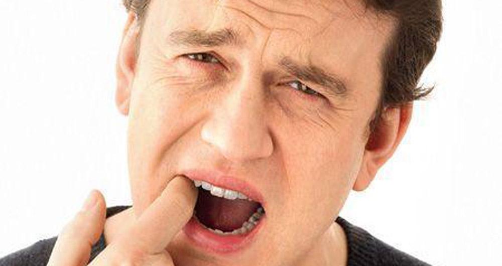 Photo of وصفات طبيعية للتخلص من جفاف الفم
