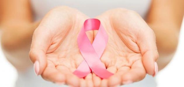 """صورة على طريقة أنجلينا جولي.. كيف تحمي نفسك من الإصابة بـ """" سرطان الثدي """""""