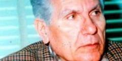 يوسف إدريس كاتب مسرحى و روائى و طبيب مصرى