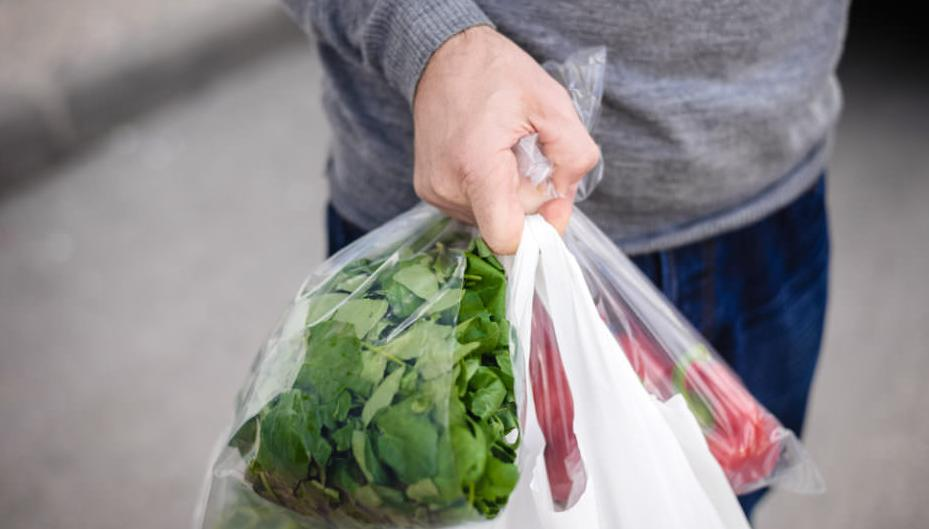 Photo of أضرار استخدام الأكياس البلاستيك في حفظ وتخزين الأطعمة