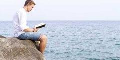 أفضل الكتب العربية للقراءة وأهم الكتاب والشعراء