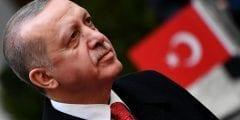 لاعب محترف في نادي قاسم باشا.. كيف كانت حياة أردوغان قبل رئاسة تركيا؟
