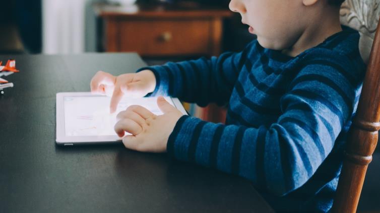 أفضل 8 تطبيقات لتعليم الاطفال
