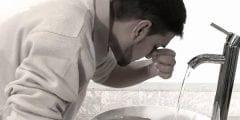 وجوب الطهارة لصحة الصلاة