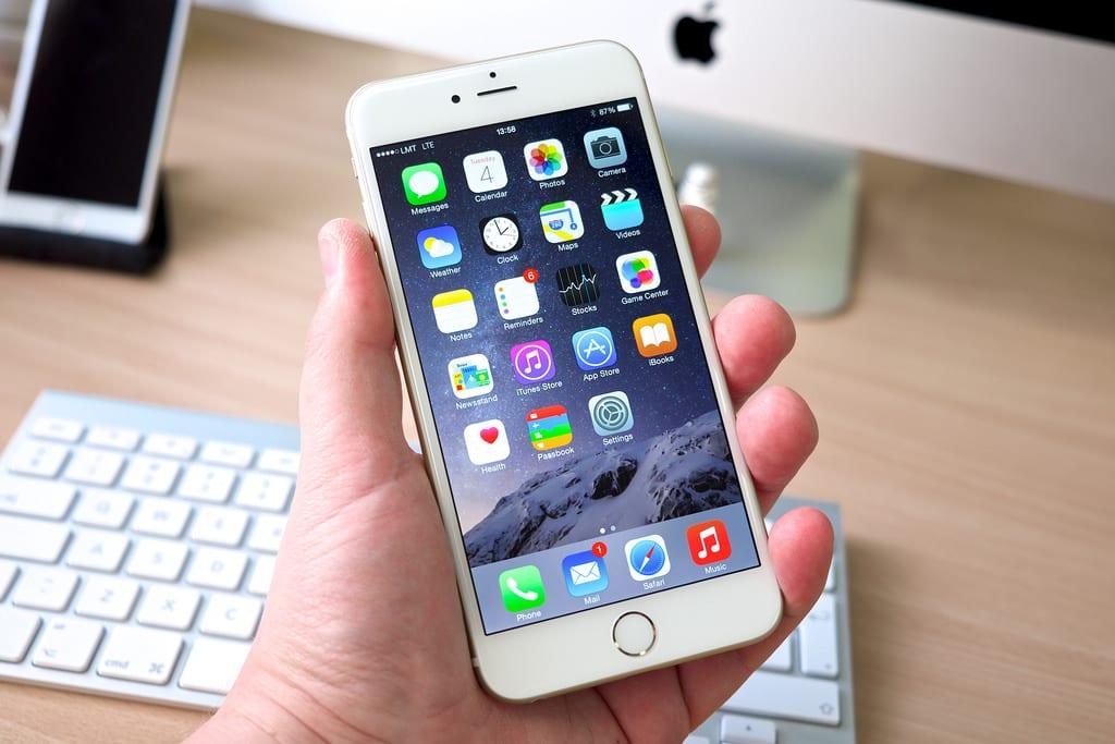 Photo of طريقة بسيطة لنقل الأغانى إلى هاتف الأيفون