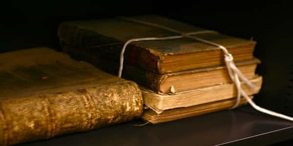 أشهر الكتب العربية