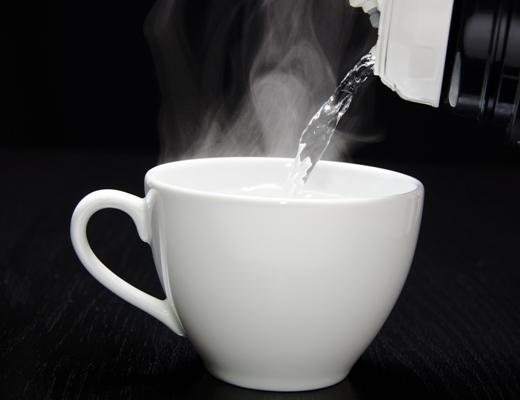 الفوائد الصحية من شرب الماء الساخن