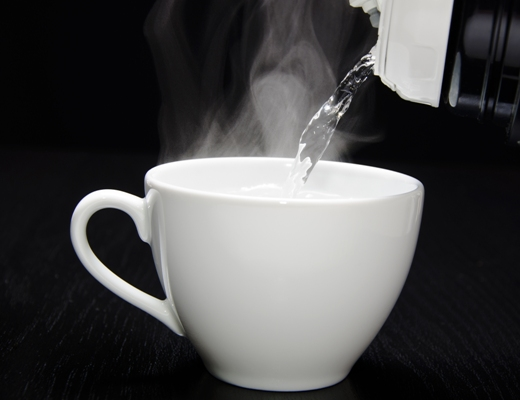 Photo of الفوائد الصحية من شرب الماء الساخن