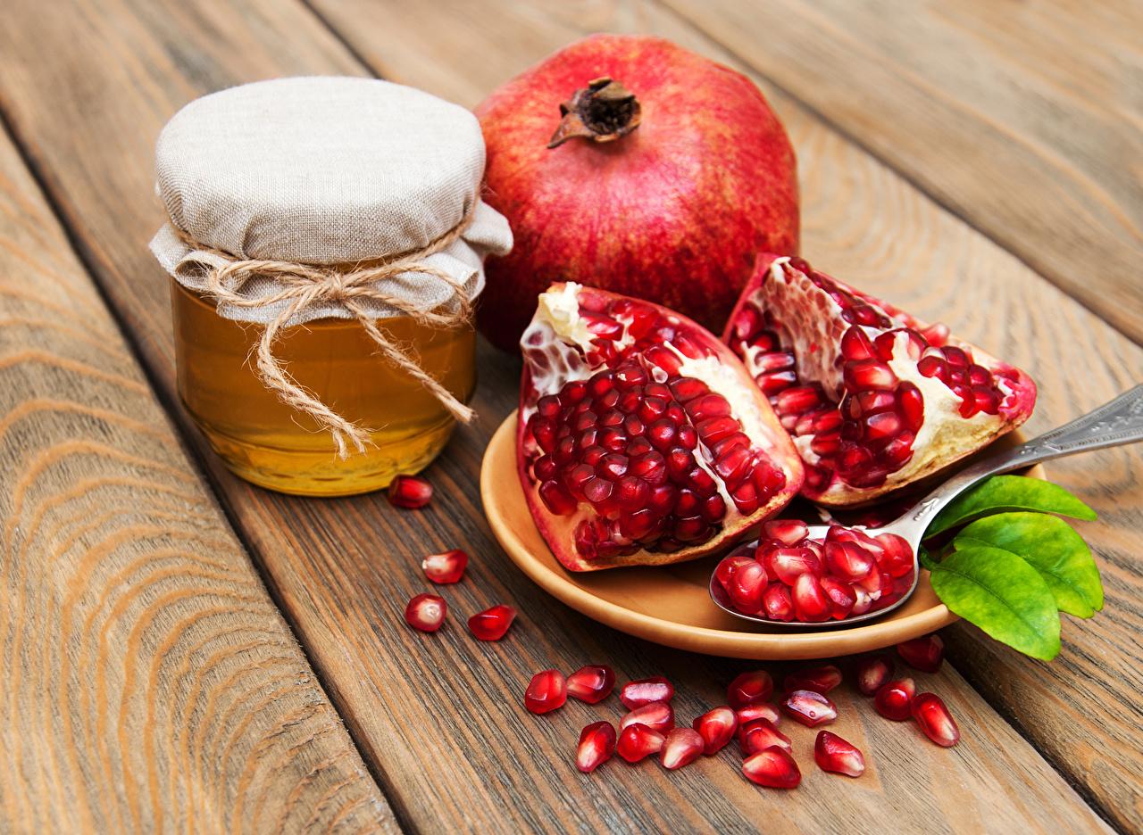 أهم فوائد قشر الرمان مع العسل على الريق