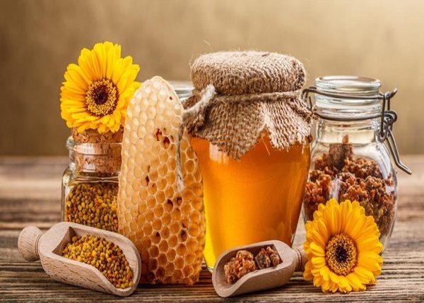 فوائد شرب الماء الساخن مع العسل على الريق