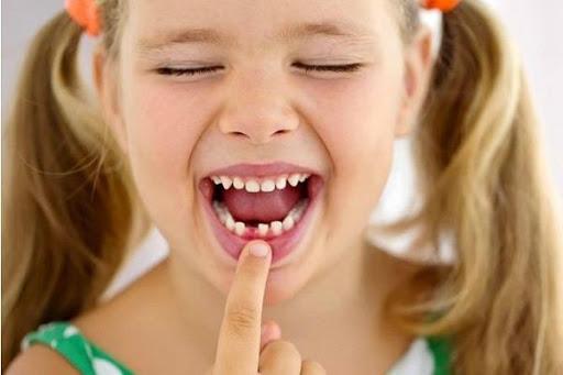 تفسير رؤية سقوط الاسنان في المنام بدون دم