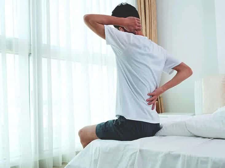 صورة هل جرثومة المعدة تسبب الم في الظهر وما هي أسبابها
