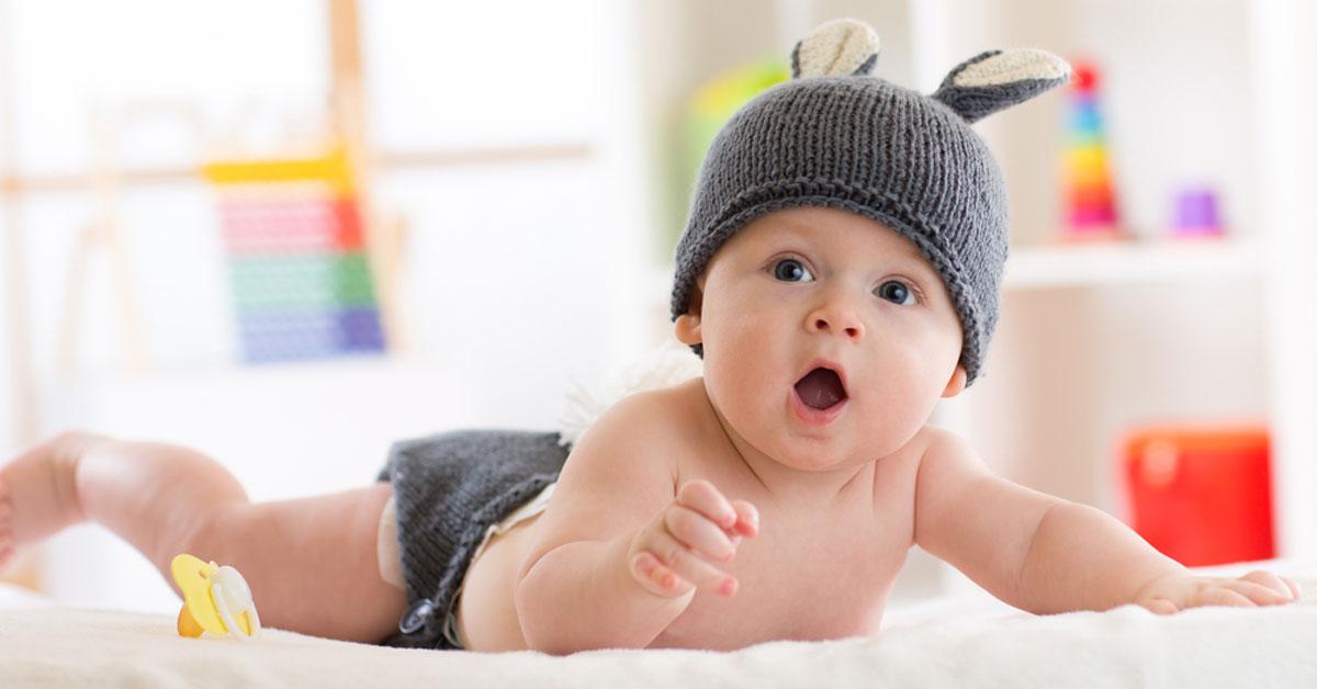 صورة اسباب وعلاج الامساك عند الرضع في الشهر الخامس