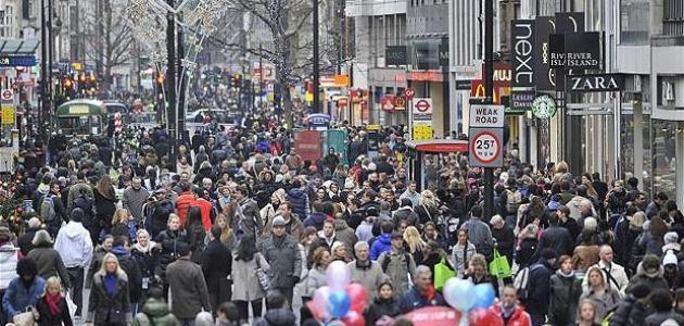كم عدد سكان بريطانيا 2021 الأصليين والمسلمين؟