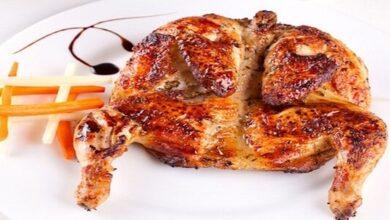 كم سعرة حرارية بنص دجاجة وهل يمكن تناول الدجاج في الرجيم