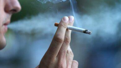 لماذا يدخن الرجل عند رؤية حبيبته