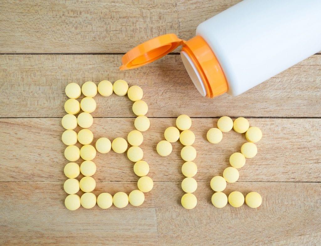 افضل وقت لتناول فيتامين ب12 | هل يتعارض تناول الحديد مع فيتامين ب