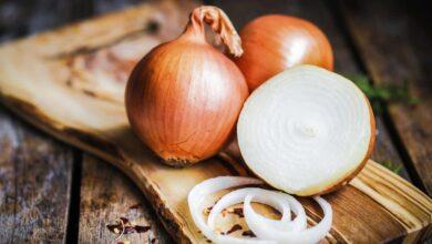 صورة ما هي فوائد التبخر بقشر البصل والثوم للحامل