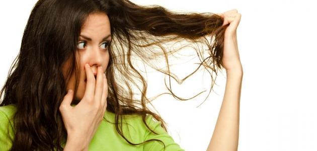 رائحة الشعر الكريهه