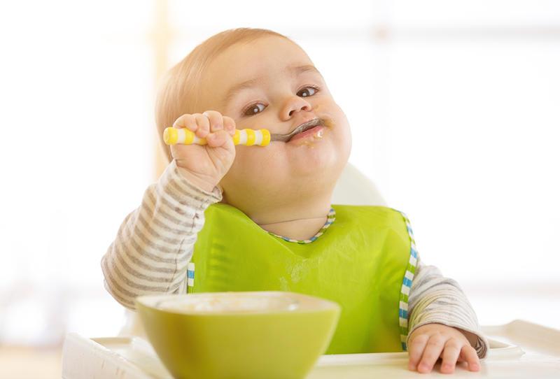 طعام الطفل بعمر سنة ونصف