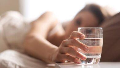 صورة فوائد الماء قبل النوم للرجيم | أفضل الأوقات لشرب الماء للرجيم