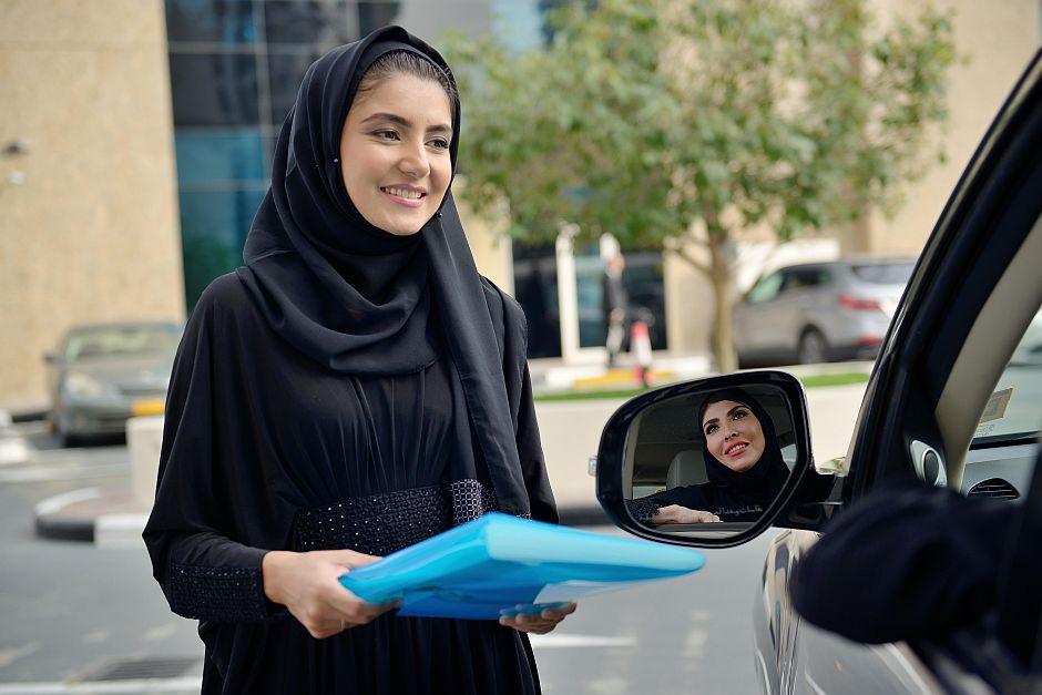 تسجيل رخصة قيادة للنساء بجدة