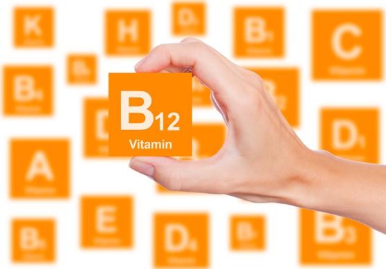 أعراض نقص فيتامين ب١٢ من تجاربكم | علاج نقص فيتامين ب12